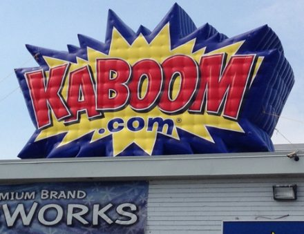 Canada Inflatable Kaboom Firework Air Cold Rooftop Balloon