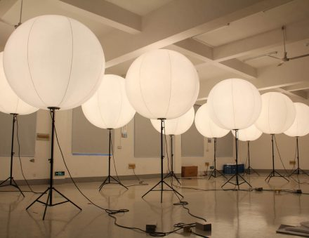 Lighed Balloon Stand in Halogen Lighting