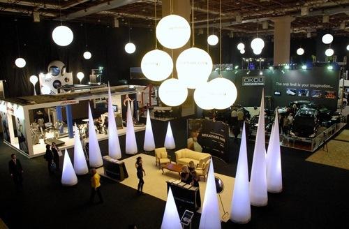 light balloon event