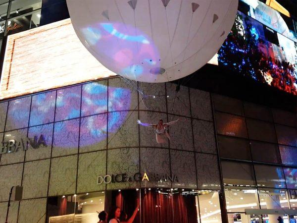 aerial acrobatic balloon