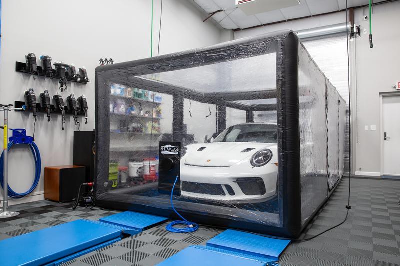 Carcapsule Showcase Indoor